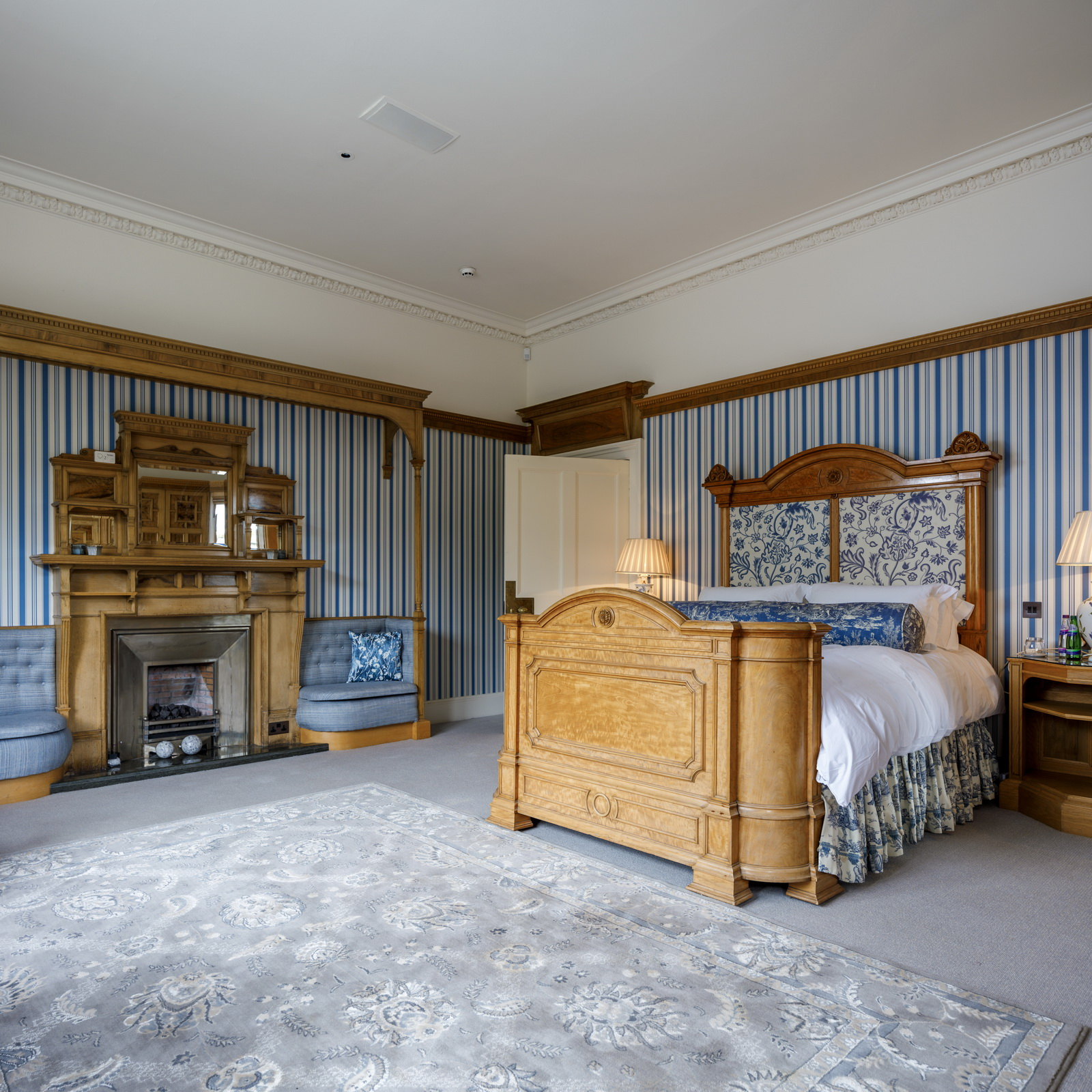 Auchterarder House - striped bedroom